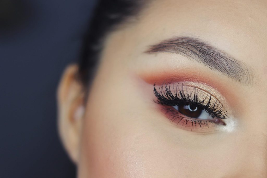 What You Need To Know Before Getting Eyelash Extensions Introwellness